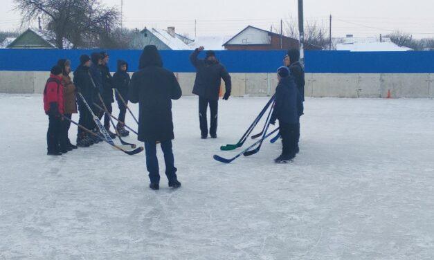 Состоялись зональные соревнования по хоккею