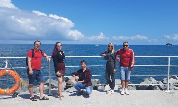 В период с 07 по 16.06 2021 года команда молодых педагогов Прохоровского района отдыхала в ТОК «Чайка»  г. Алушта.