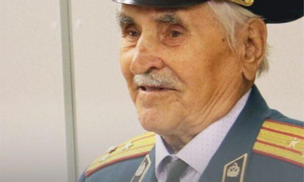 Магнитогорскому ветерану Великой Отечественной войны вручили золотой знак ГТО